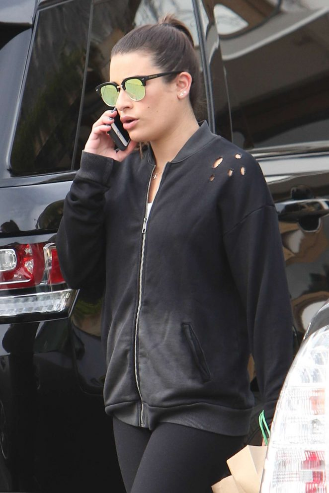Lea Michele – Takes Her Lunch in West Hollywood