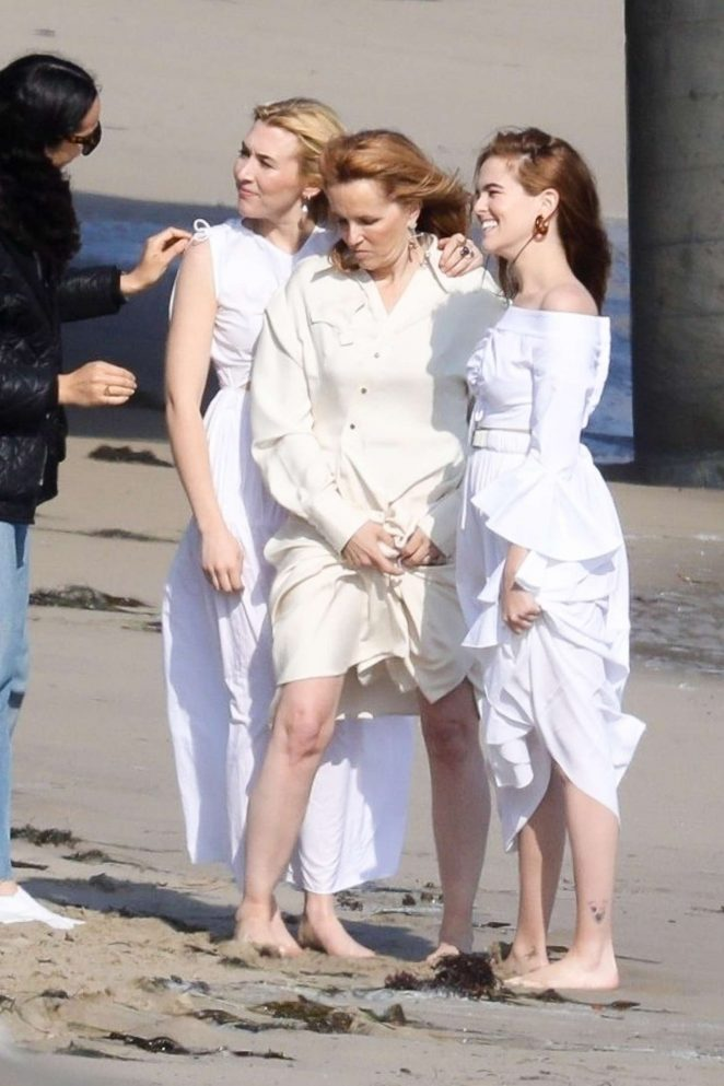 Lea Thompson with daughters Zoey and Madelyn Deutch on a photoshoot in Maibu