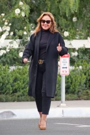 Leah Remini - Seen as she leaves a restaurant in Hollywood