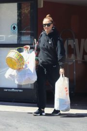 Leah Remini - Shopping at CVS in Los Angeles