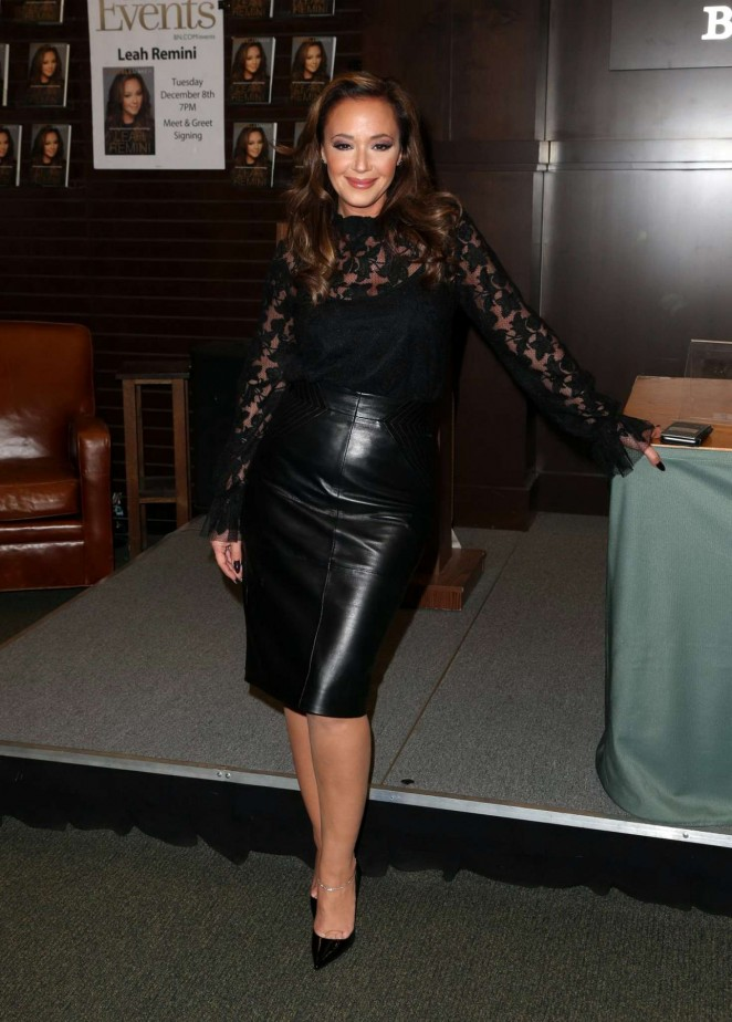 Leah Remini: Troublemaker Surviving Hollywood and Scientology Book Signing -04