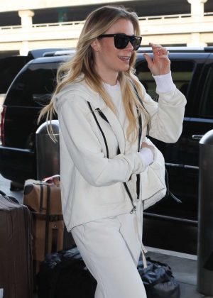 LeAnn Rimes - Arrives at LAX Airport in LA