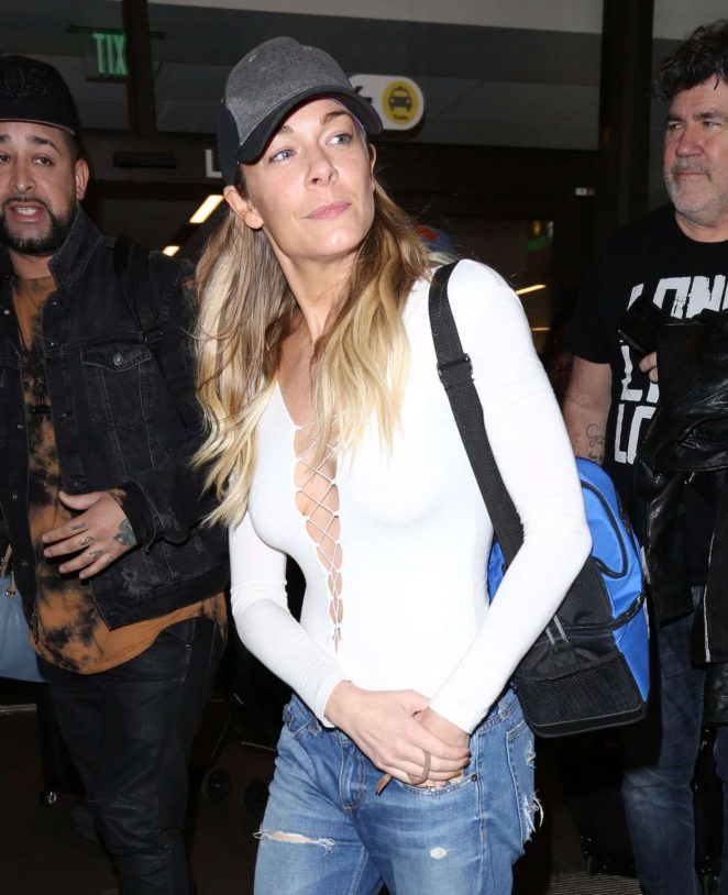 LeAnn Rimes Arrives at LAX airport in Los Angeles
