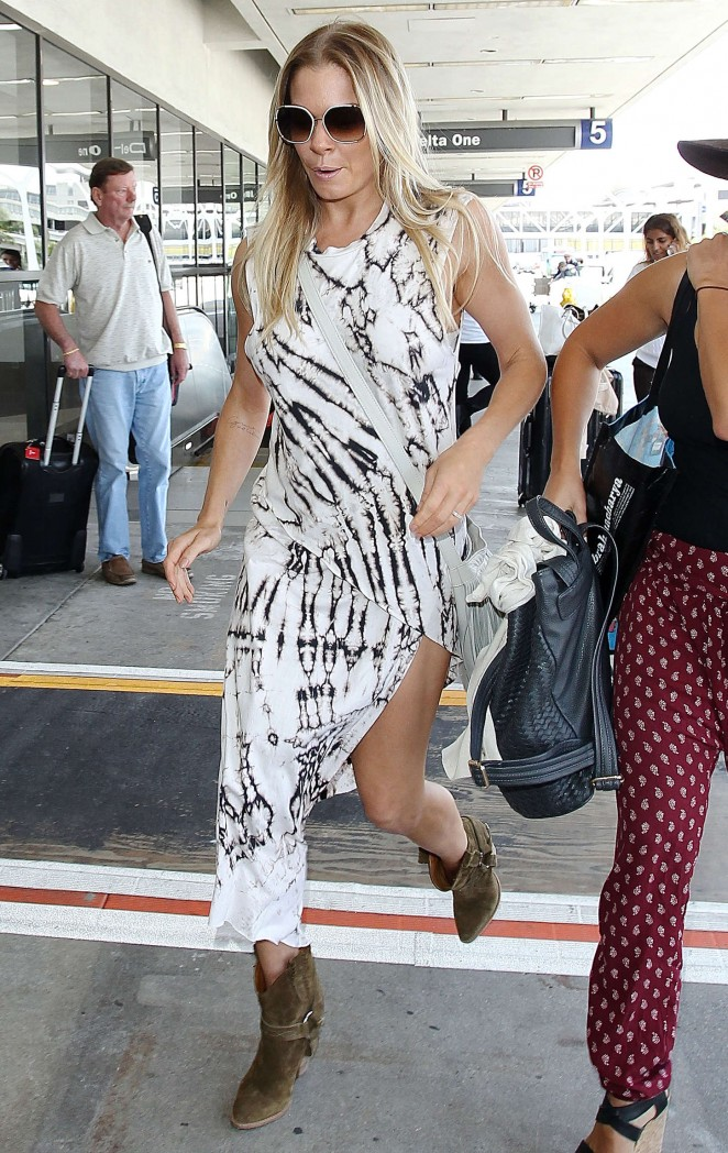 LeAnn Rimes - LAX Airport in LA