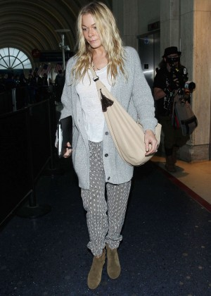 LeAnn Rimes - LAX Airport in Los Angeles