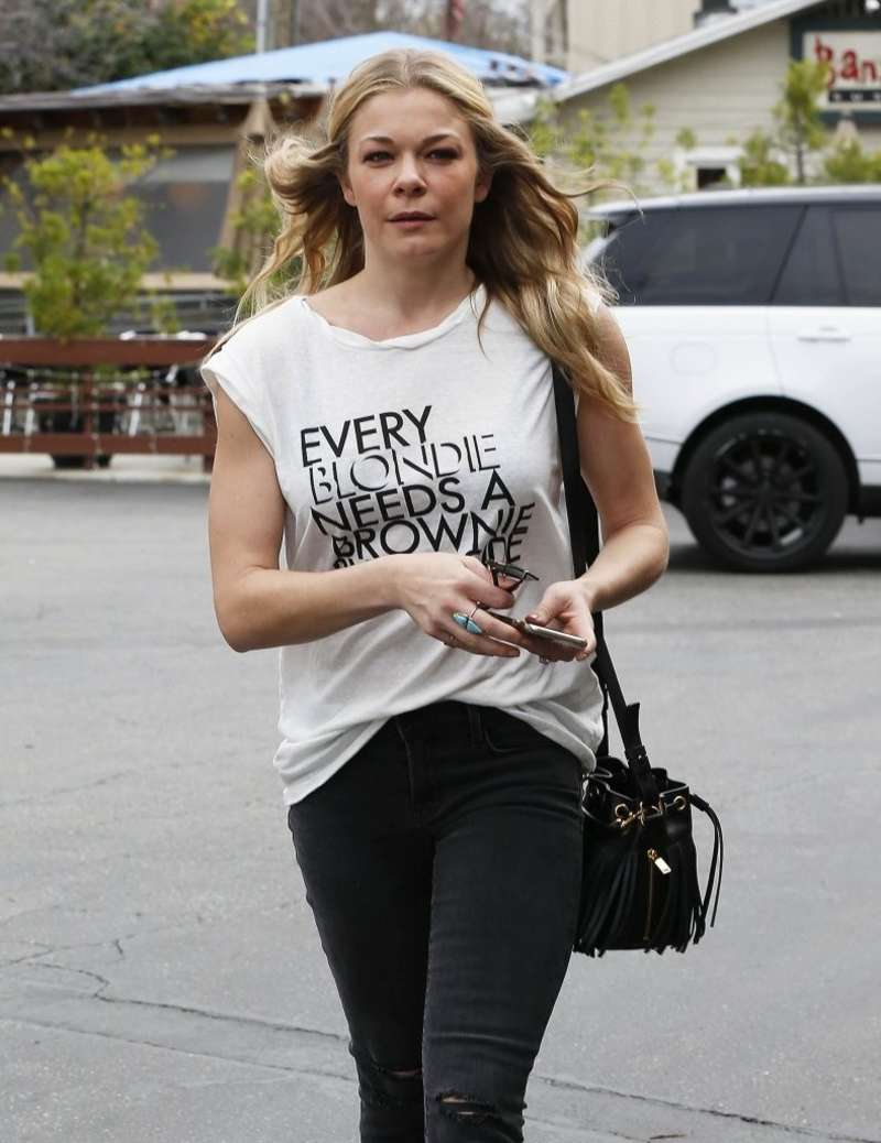 Leann rimes out in calabasas nudes (45 photo), Feet Celebrites pic