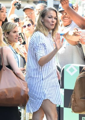 LeAnn Rimes out in Manhattan