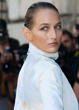 Leelee Sobieski - Christian Dior Show in Paris