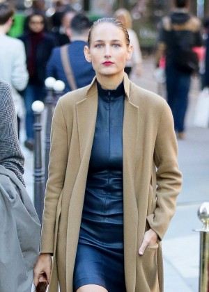 Leelee Sobieski out in Paris