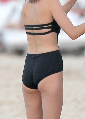 Leelee Sobieski: Wearing a black swimsuit in St. Barts-03