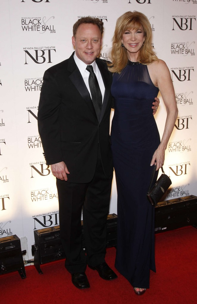 Leeza Gibbons - Olivia Newton-John is honored as the NBT Woman of the Year in Las Vegas