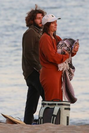 Leighton Meester and Adam Brody - Seen head of Thanksgiving celebrations in Malibu