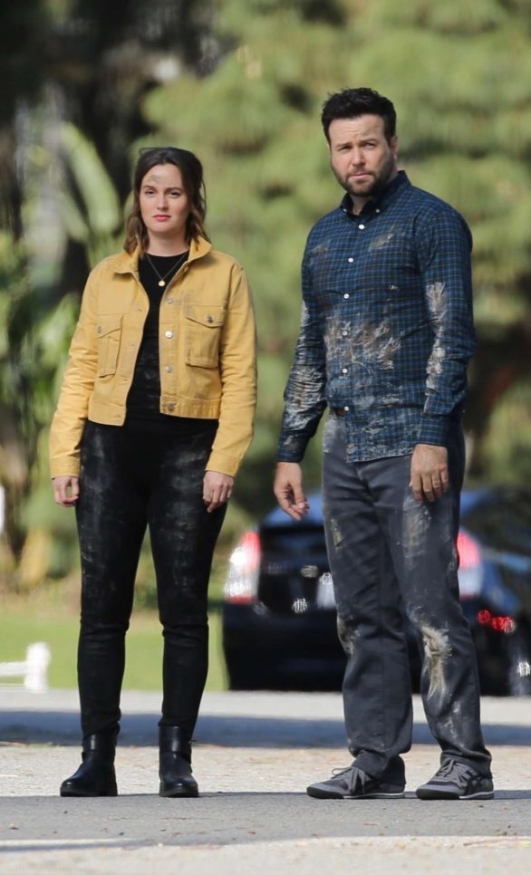 Leighton Meester - On the set of 'Single Parents' in Los Angeles