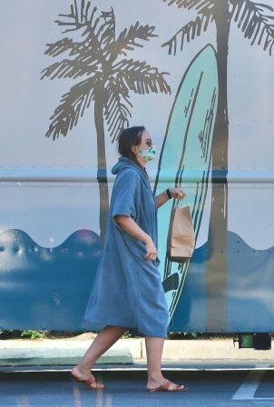 Leighton Meester - Seen after a surfing session in Malibu