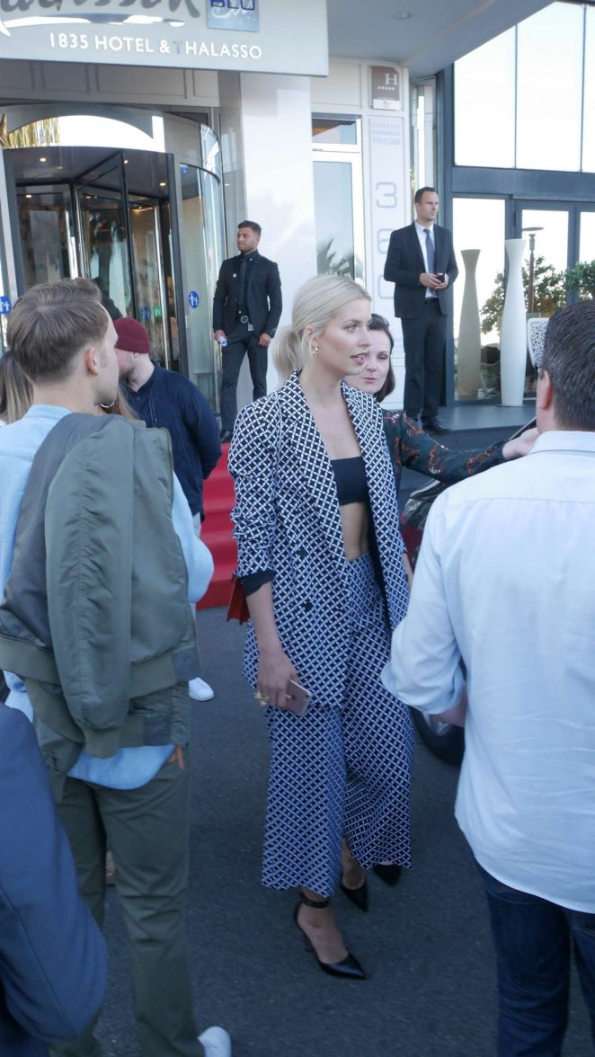 Lena Gercke Leaves The Radisson Hotel 14 Gotceleb