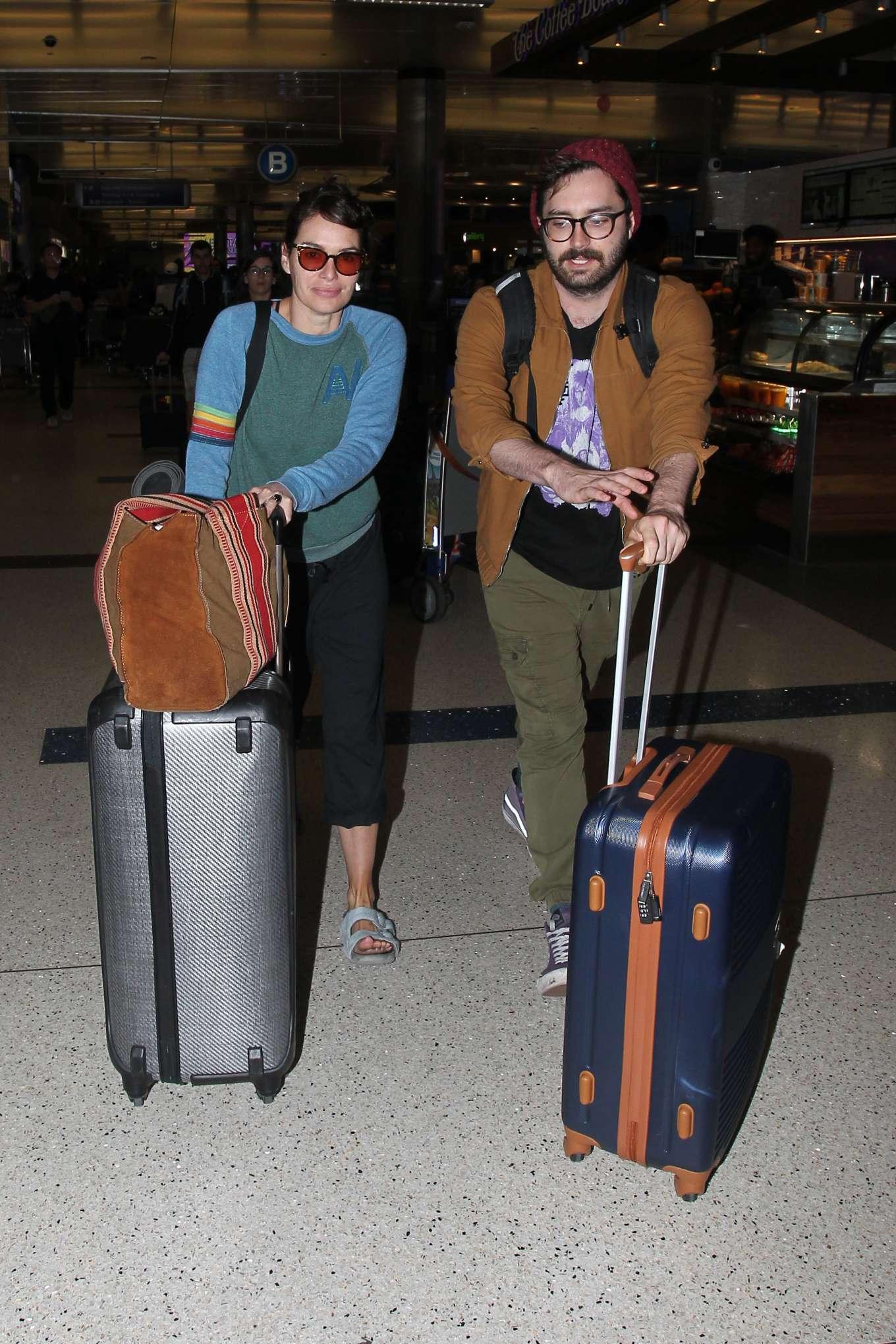 Lena Headey 2019 : Lena Headey – Arriving at LAX airport in LA-06
