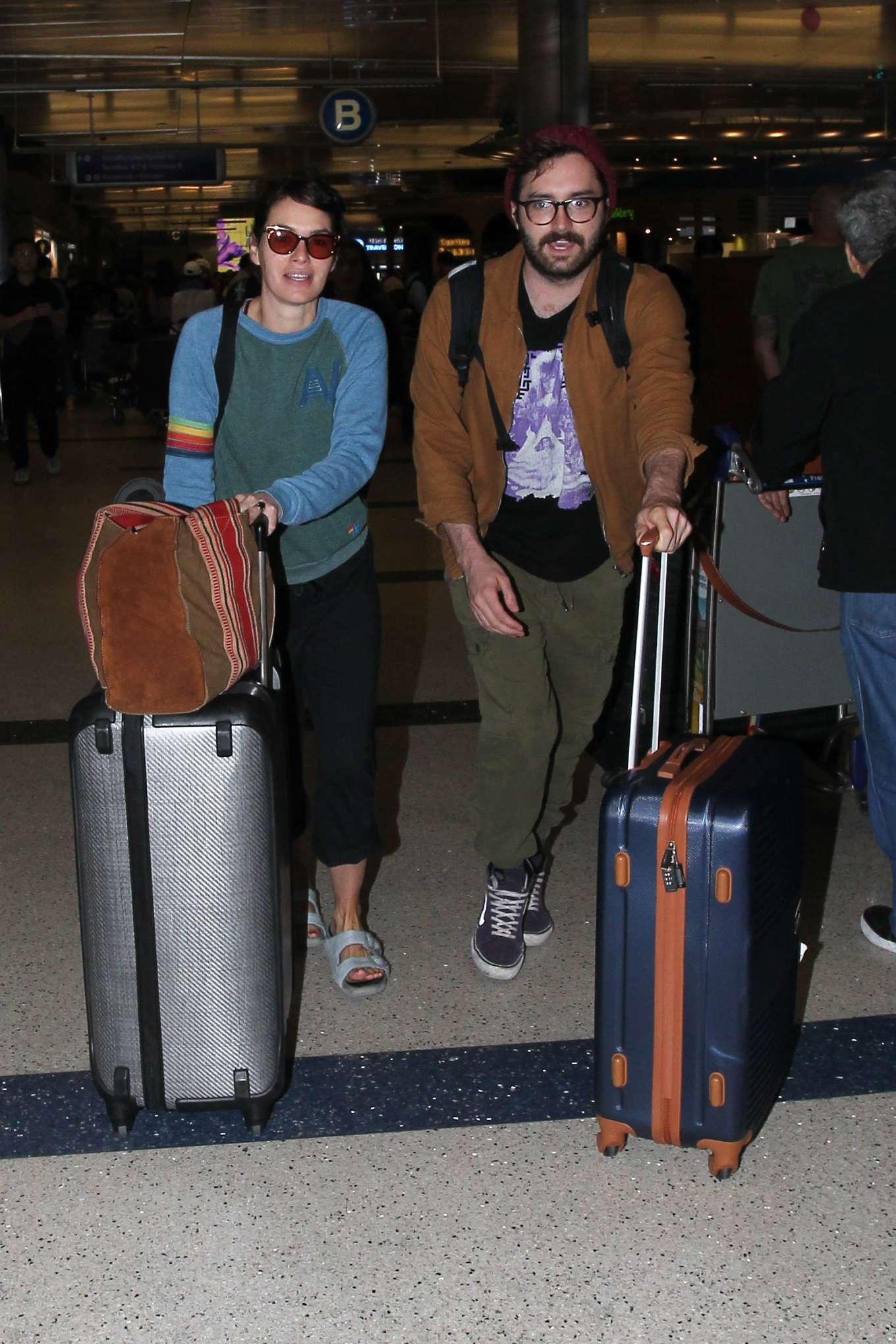 Lena Headey 2019 : Lena Headey – Arriving at LAX airport in LA-12