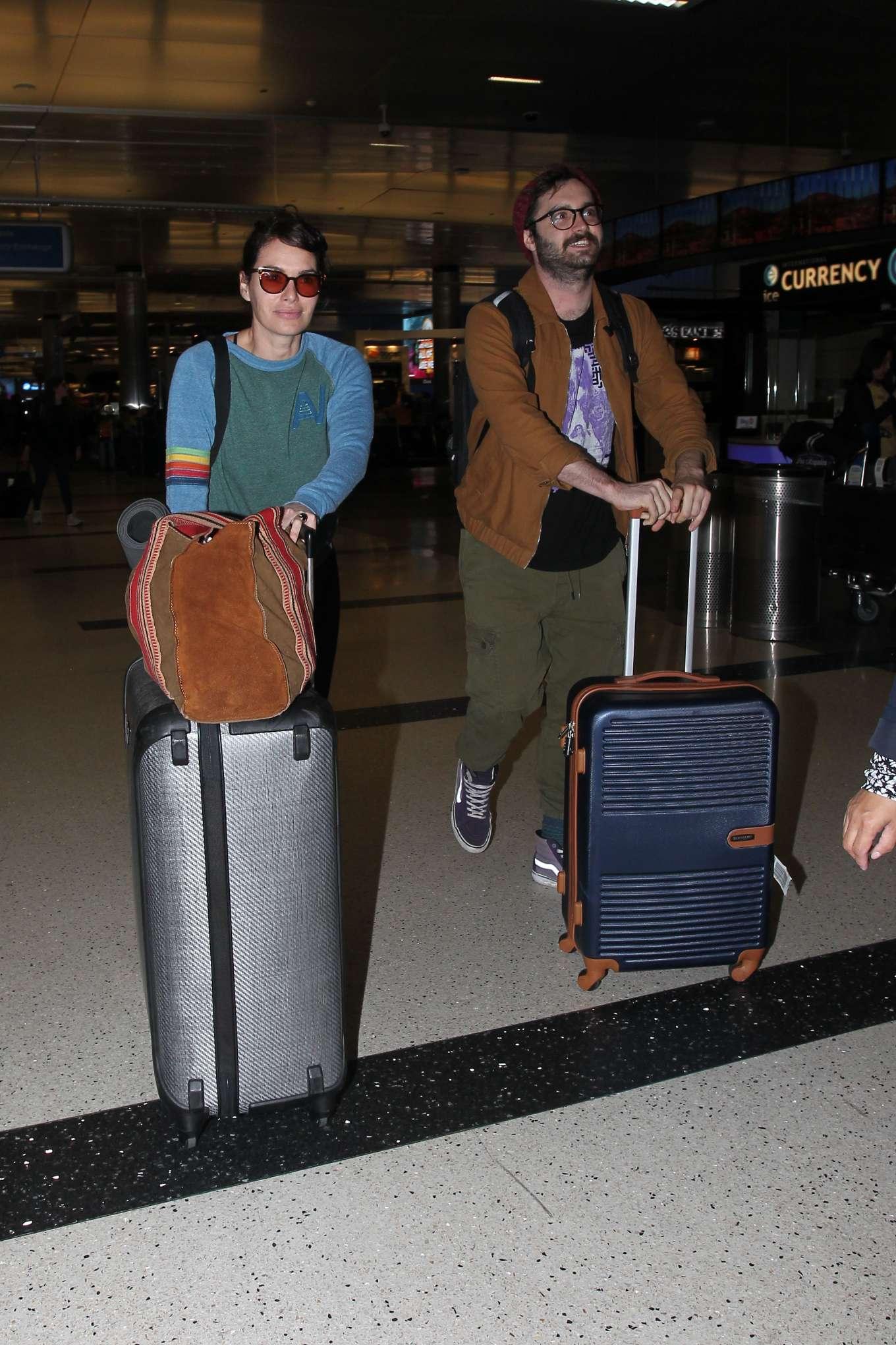 Lena Headey 2019 : Lena Headey – Arriving at LAX airport in LA-15