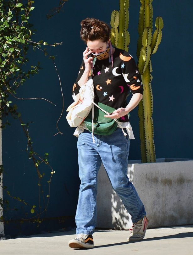 Lena Headey - leaving Clare Vivier store in West Hollywood