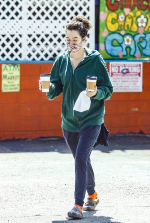 Lena Headey - Out for a coffee in Los Angeles