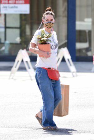 Lena Headey - Shopping candids in Venice Beach