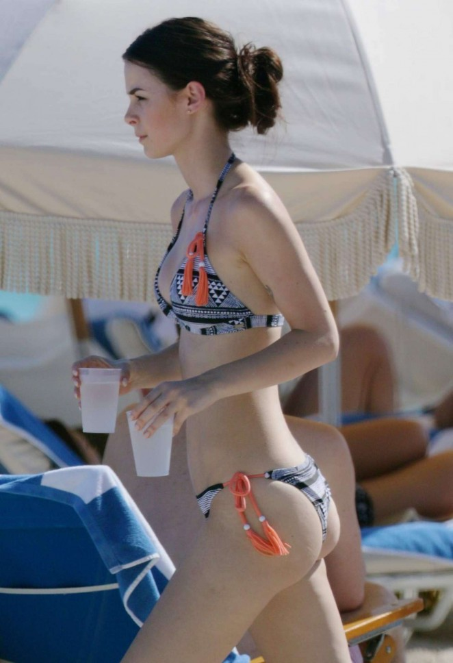 Lena Meyer-Landrut: Wearing Bikini on Vacation at a Beach in Miami (adds)-41