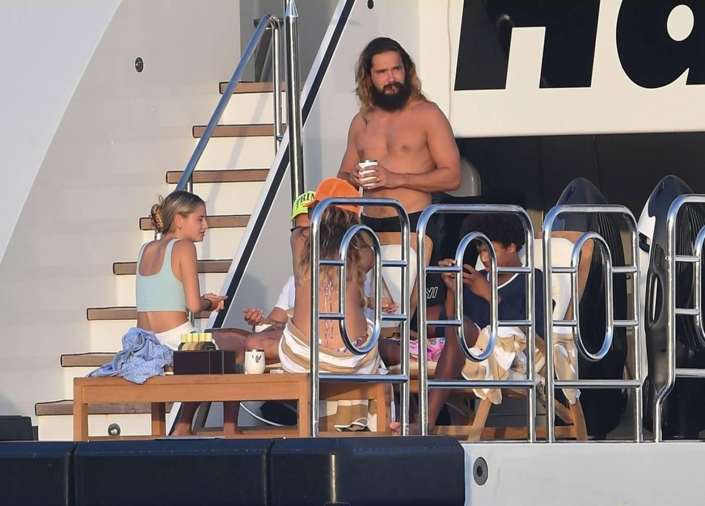 Leni Klum 2021 : Leni Klum – In a bikini on a Yacht – Italy-16