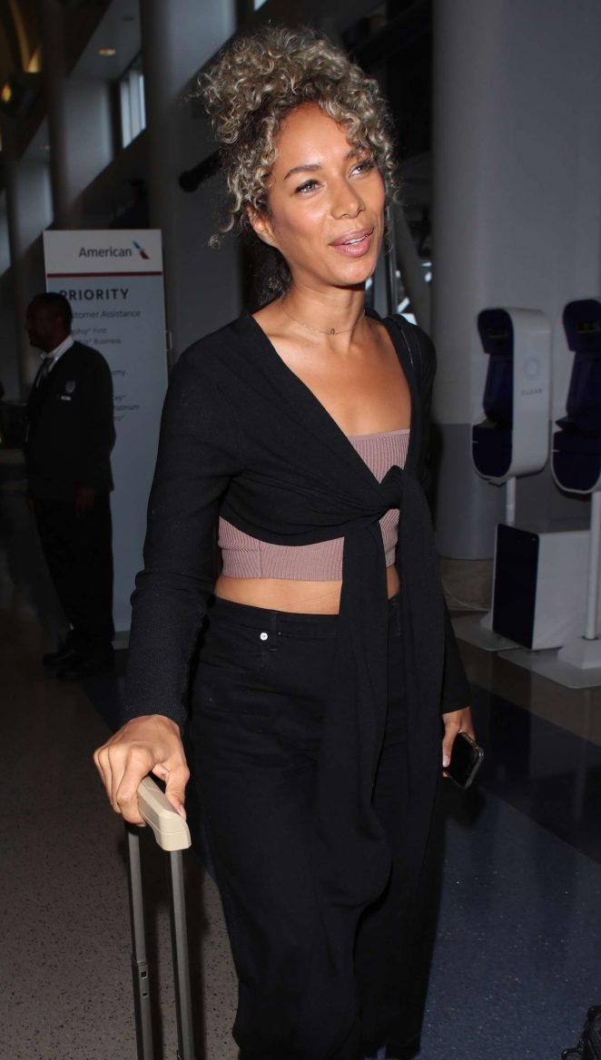 Leona Lewis - Arriving at LAX Airport in Los Angeles