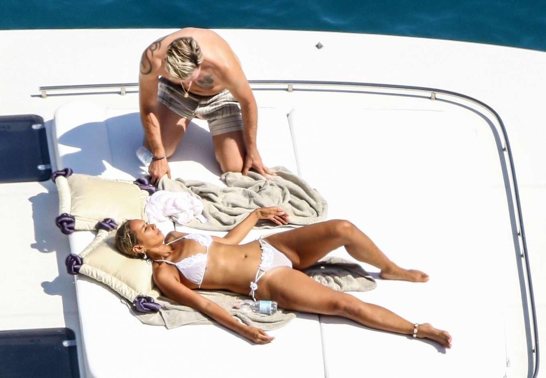 Leona Lewis 2019 : Leona Lewis in a white bikini as she enjoys her Honeymoon with Dennis Jauch in Capri-19