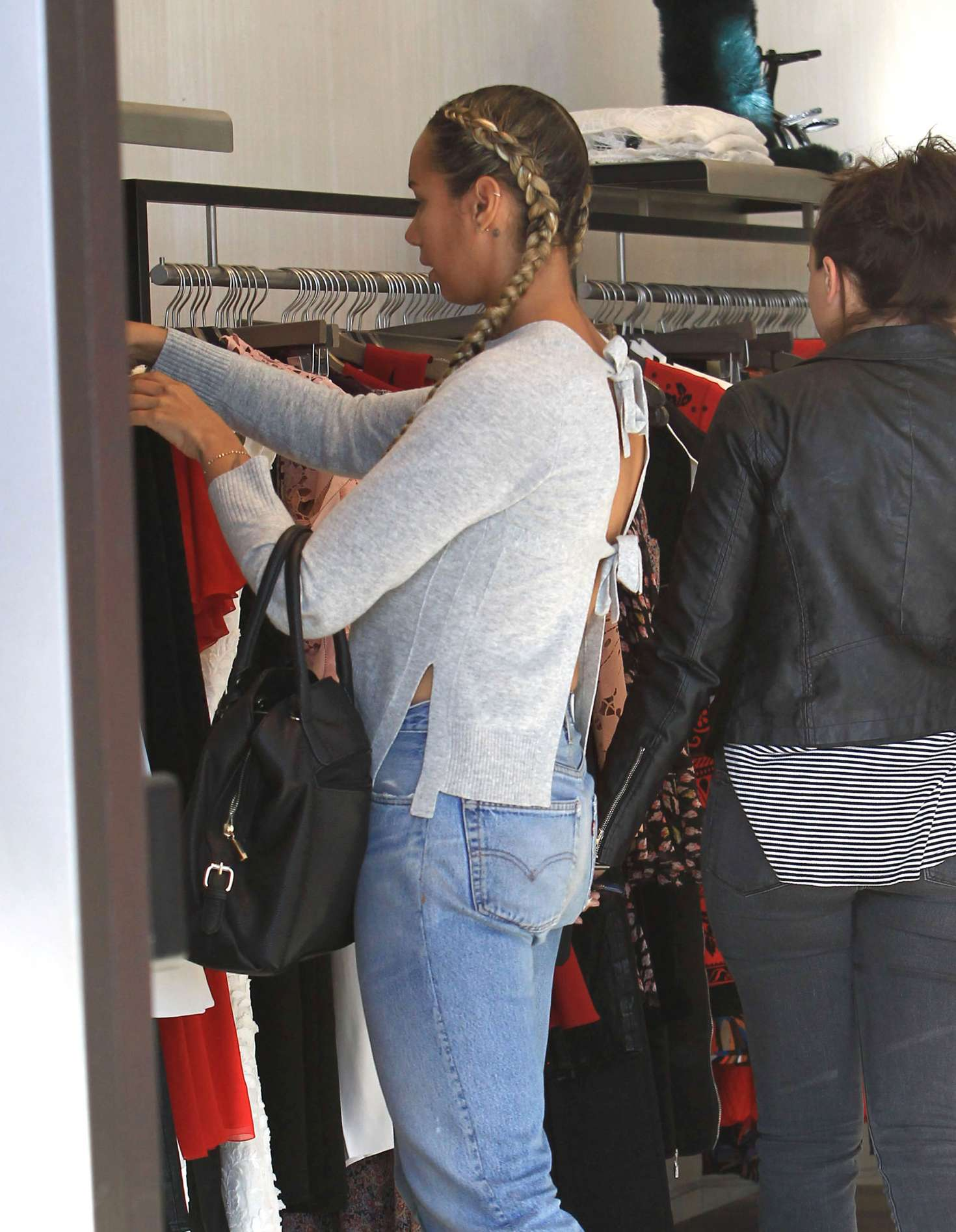 Leona Lewis in Jeans shopping at Intermix in Beverly Hills