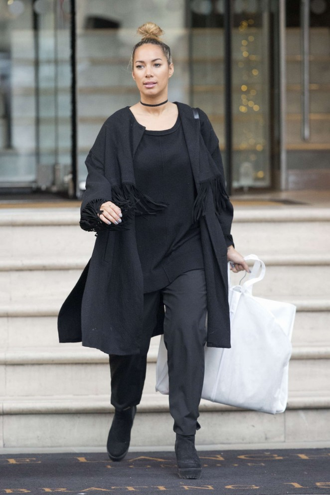 Leona Lewis - Leaves her hotel in London