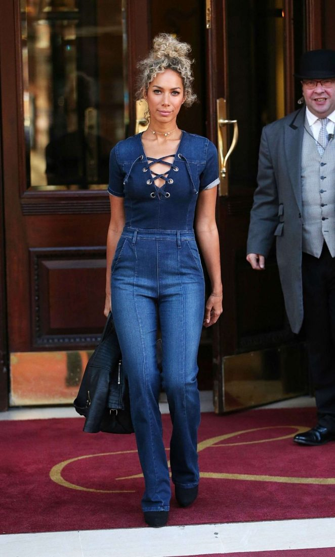 Leona Lewis - Leaving the Landmark Hotel in London