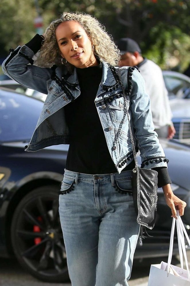 Leona Lewis - Shopping at Saks Fifth Ave in Beverly Hills