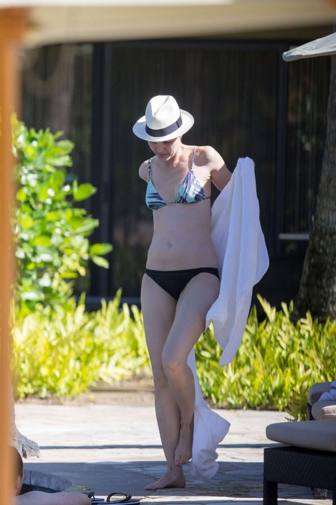 Leslie Bibb in Bikini on vacation in Hawaii