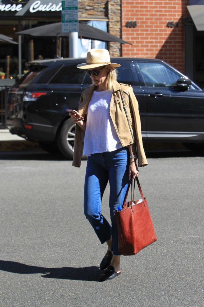 Leslie Bibb - Shopping in Beverly Hills
