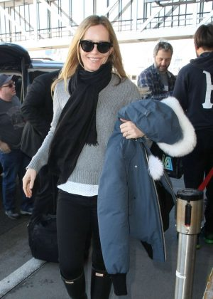 Leslie Mann - Arrives at LAX Airport in Los Angeles