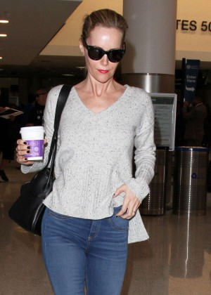 Leslie Mann in Jeans at LAX Airport in Los Angeles