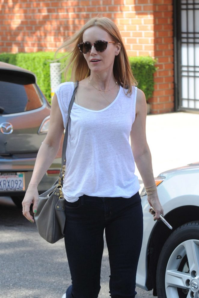 Leslie Mann - Leaving Mecha salon Beverly Hills