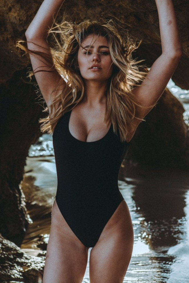 Lia Marie Johnson 2016 : Lia Marie Johnson in Swimsuit -01