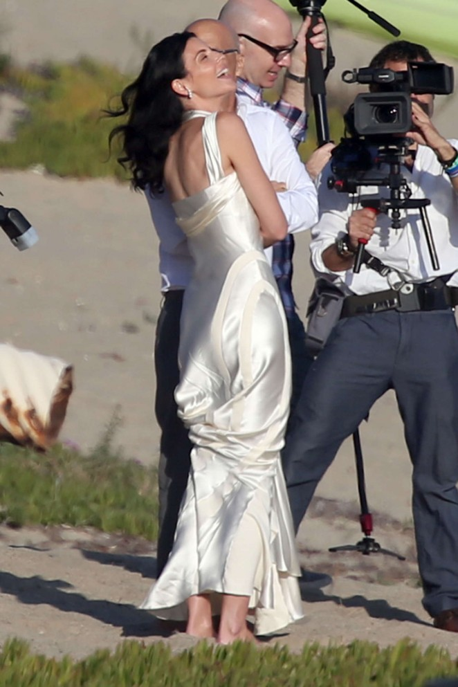Liberty Ross at her wedding ceremony -30