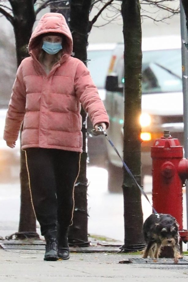 Lili Reinhart - Dresses warmly while out with her dog Milo in Vancouver