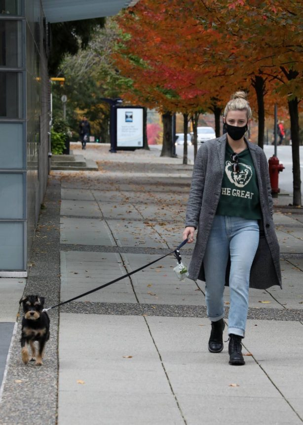 Lili Reinhart - Out with her puppy in Vancouver