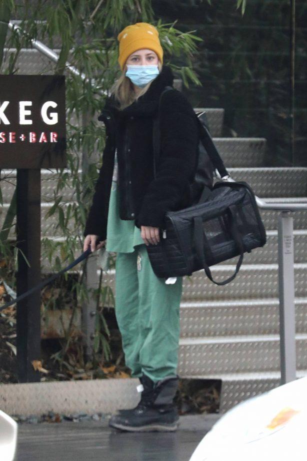 Lili Reinhart - Walks her dog in Vancouver