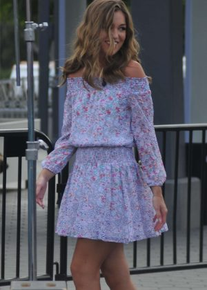 Lili Simmons at the Universal City Walk to tape Extra in LA