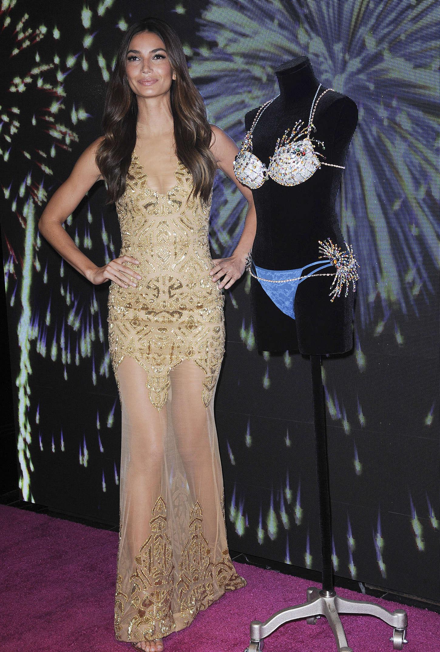 Lily Aldridge from Celebs Support Caitlyn Jenner   E! News