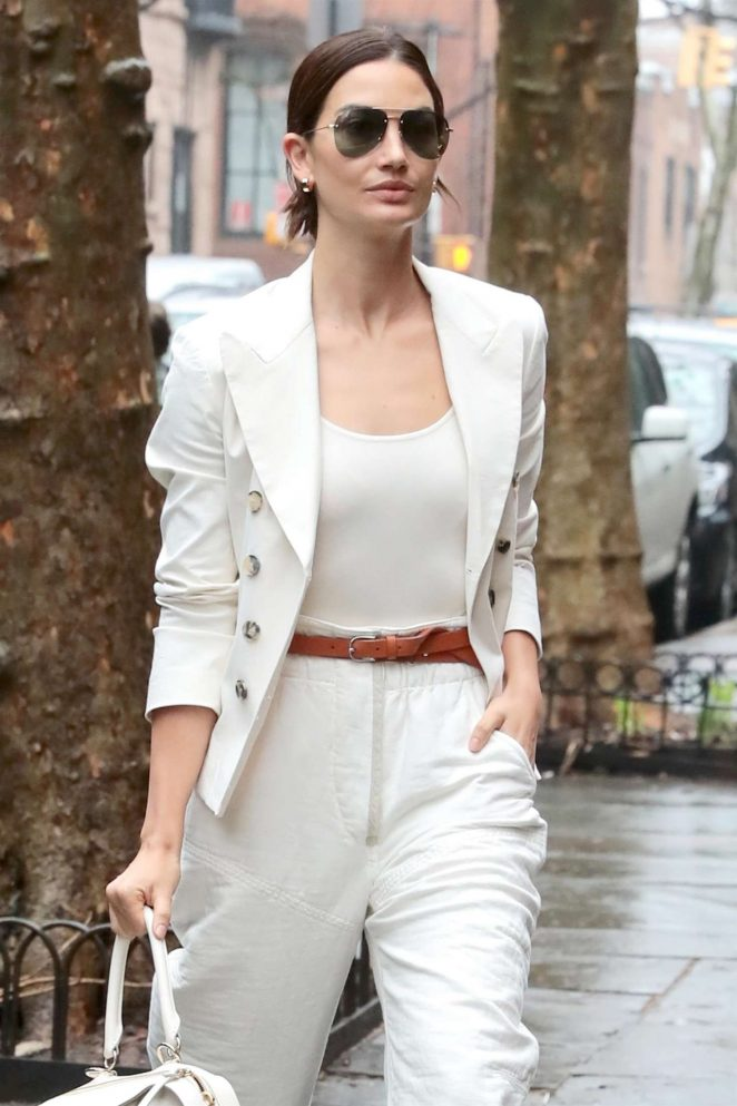 Lily Aldridge - Arriving for a Photoshoot in Brooklyn