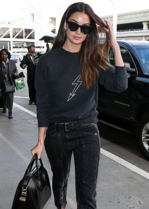Lily Aldridge in Jeans at LAX airport in Los Angeles