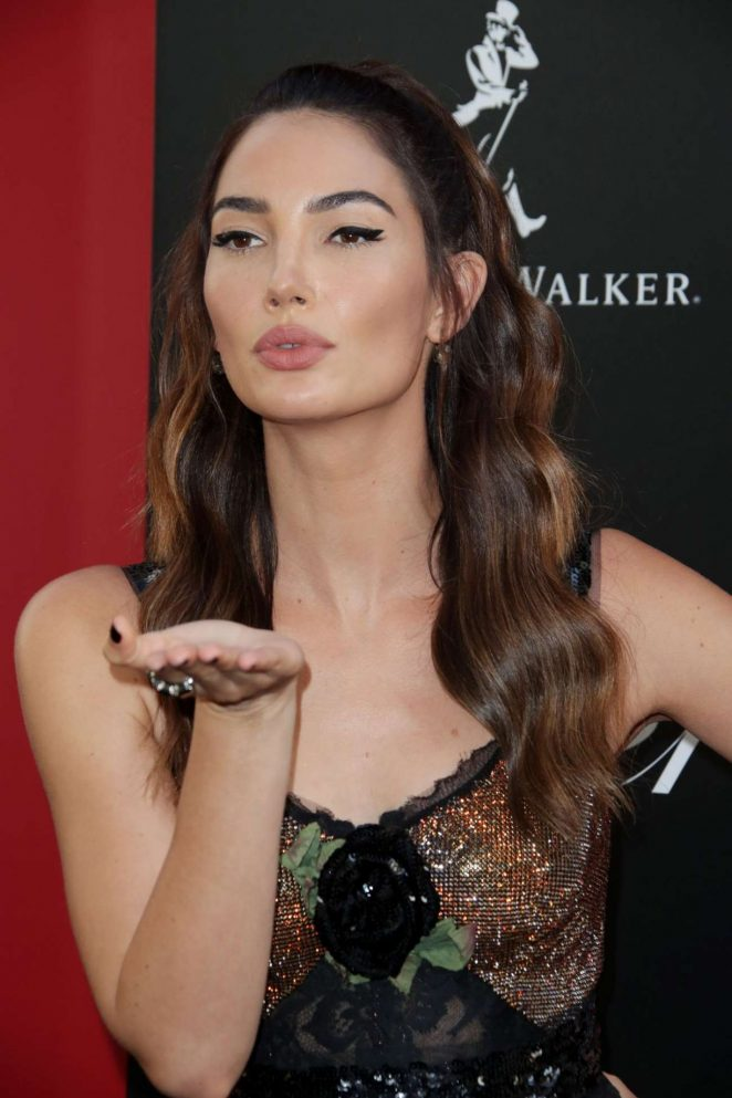 Lily Aldridge – Ocean's 8 Premiere photocall In New York
