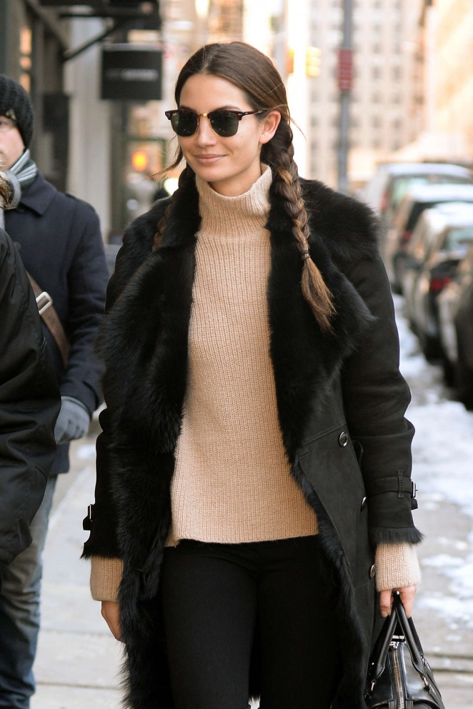 Lily Aldridge – Out for lunch in NYC