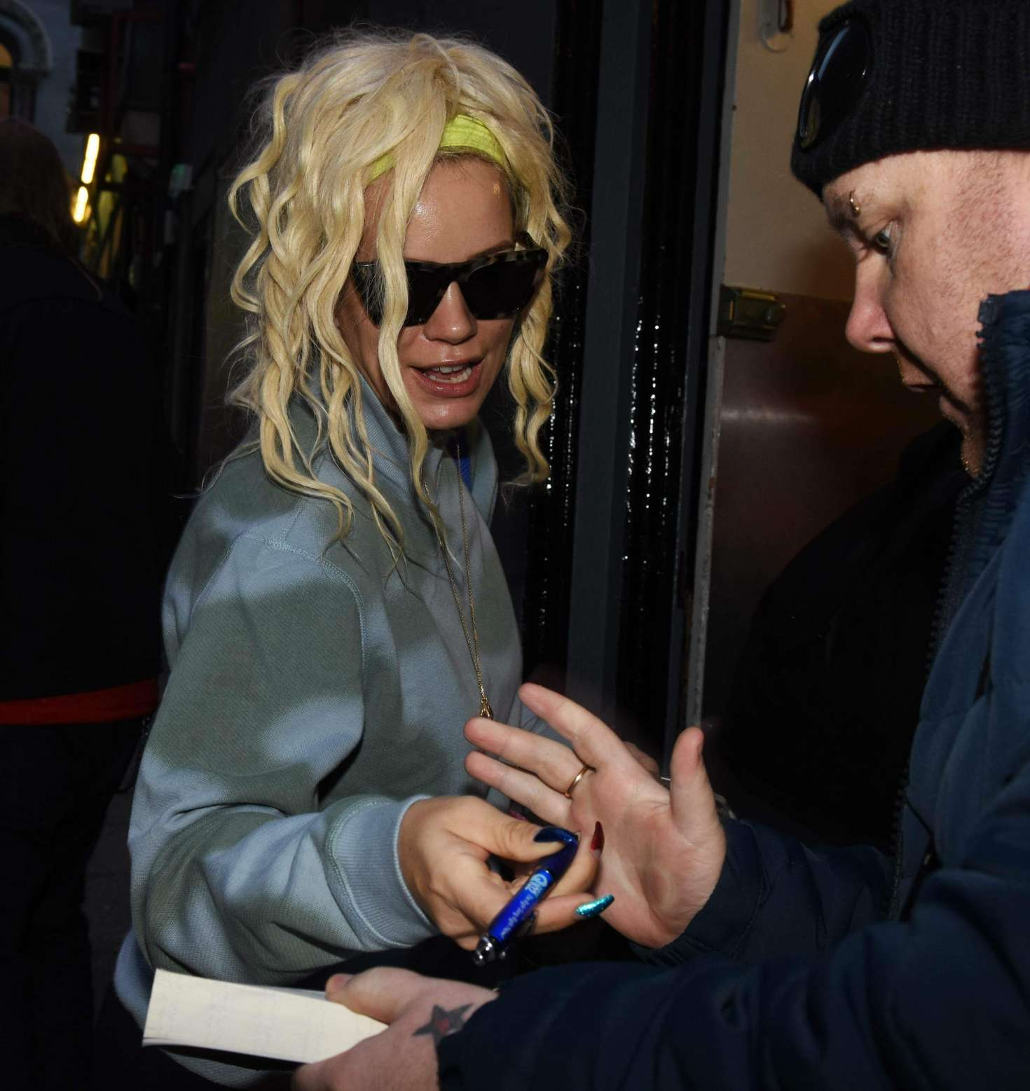 Lily Allen 2018 : Lily Allen: Arriving at The Stage Door of The Olympia Theatre -01